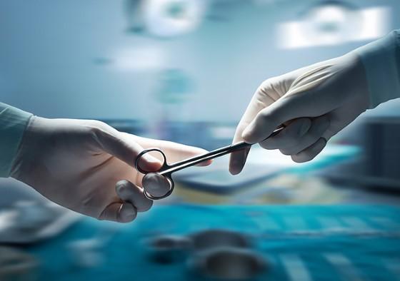 врачи